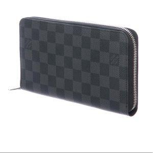 Louis Vuitton Bags - Authentic Louis Vuitton Zippy Organizer Damier